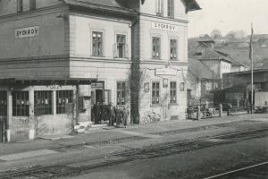 Železniční stanice Sychrov 11. května 1958 (sbírka rodiny Janečkovy)