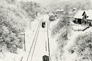 Koleje od tunelu k nádraží v zimě  (sbírka rodiny Janečkovy)